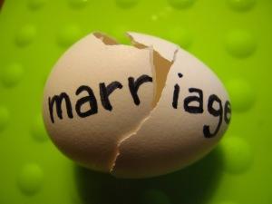 Letterbalm Broken Marriage Egg