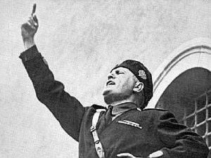 Letterbalm Mussolini